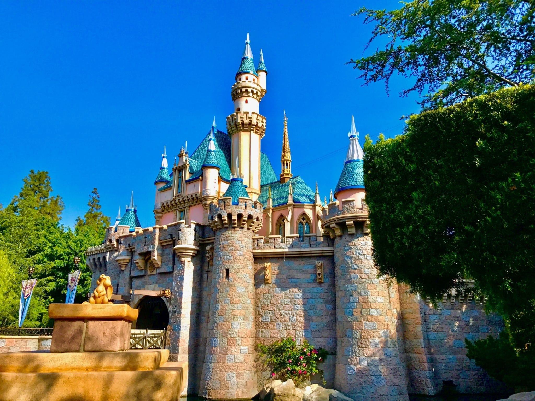 Top 5 Sit Down Restaurants at Disneyland Park
