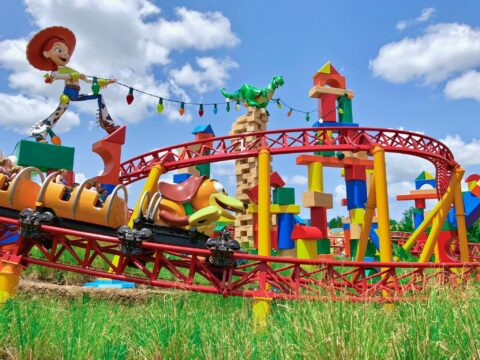 Slinky Attraction Ride with Jessie and Rex