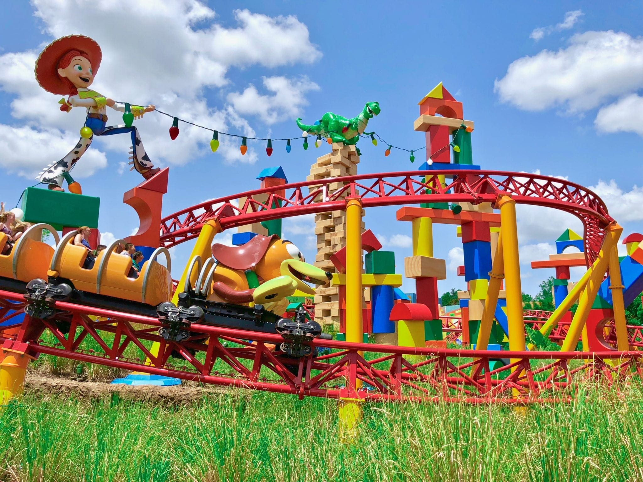 Slinky Dog Dash vs. Seven Dwarfs Mine Train