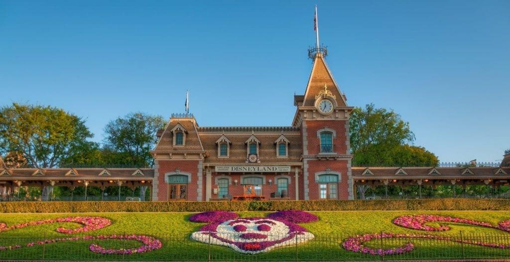 Disneyland Resort Cancels July 17th Reopening