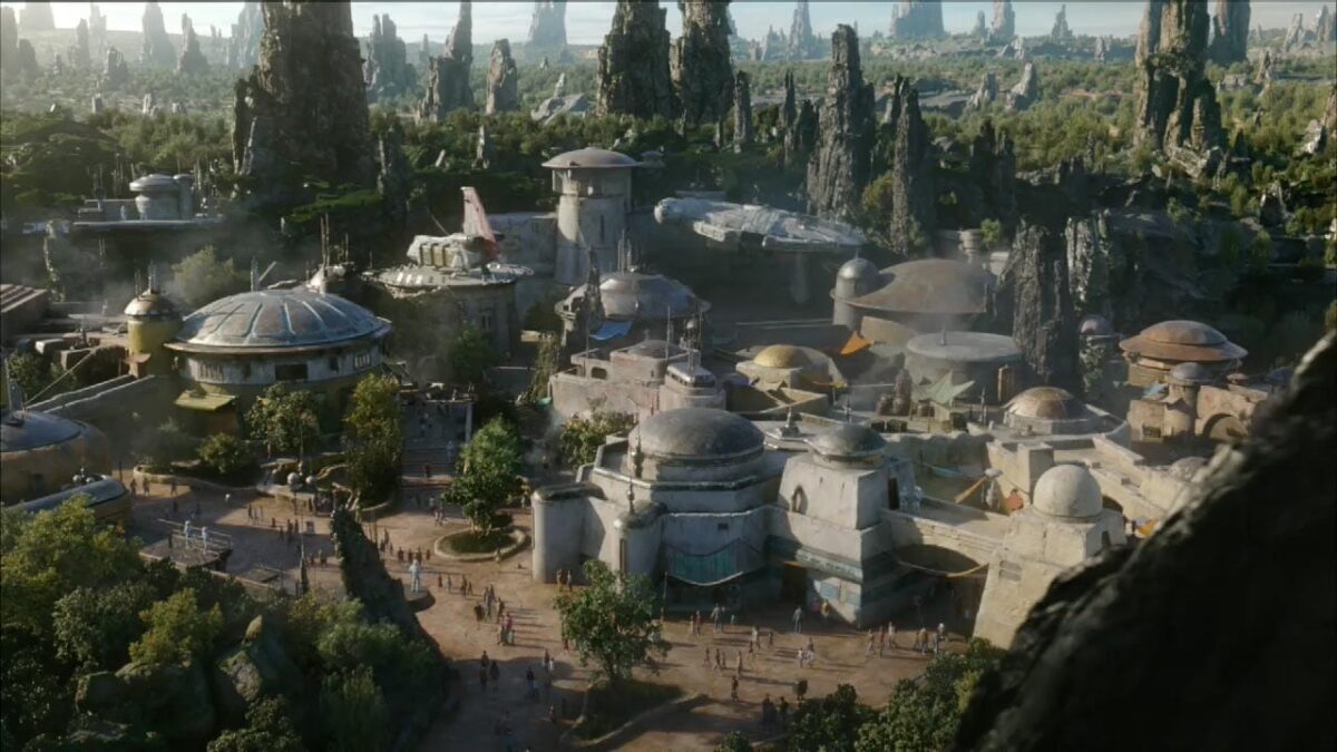 Make Your Star Wars: Galaxy's Edge Reservation Today