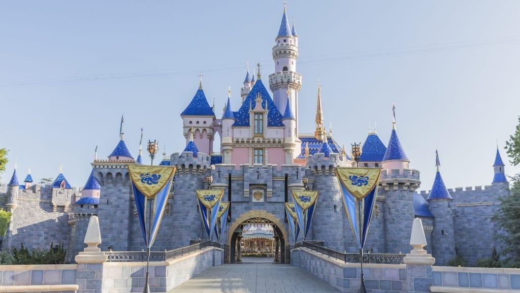 20 Ways to Save on a Disneyland Vacation