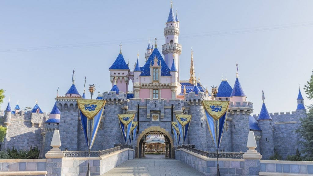 20 Ways to Save on a Disneyland Vacation