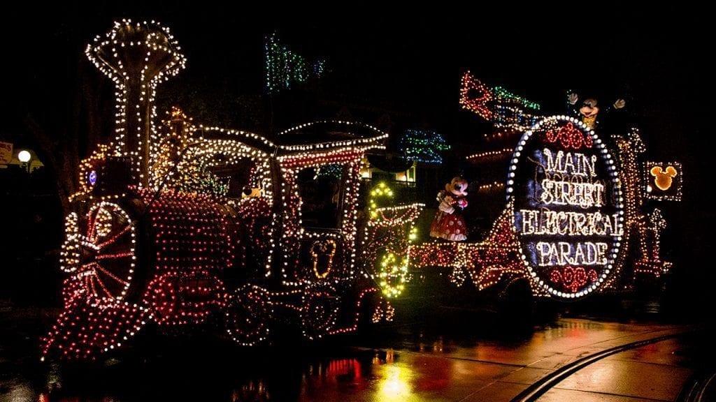 Main Street Electrical Parade Coming Back to Disneyland