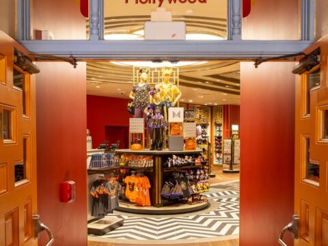Mickey's of Hollywood store entrance