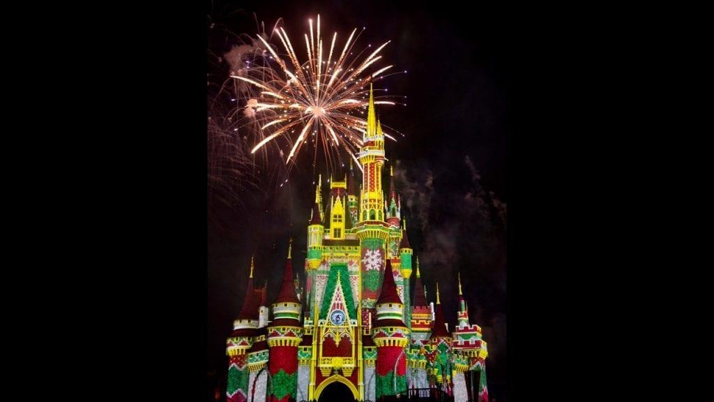 'Minnie's Wonderful Christmastime Fireworks' Debut Live on Nov. 8
