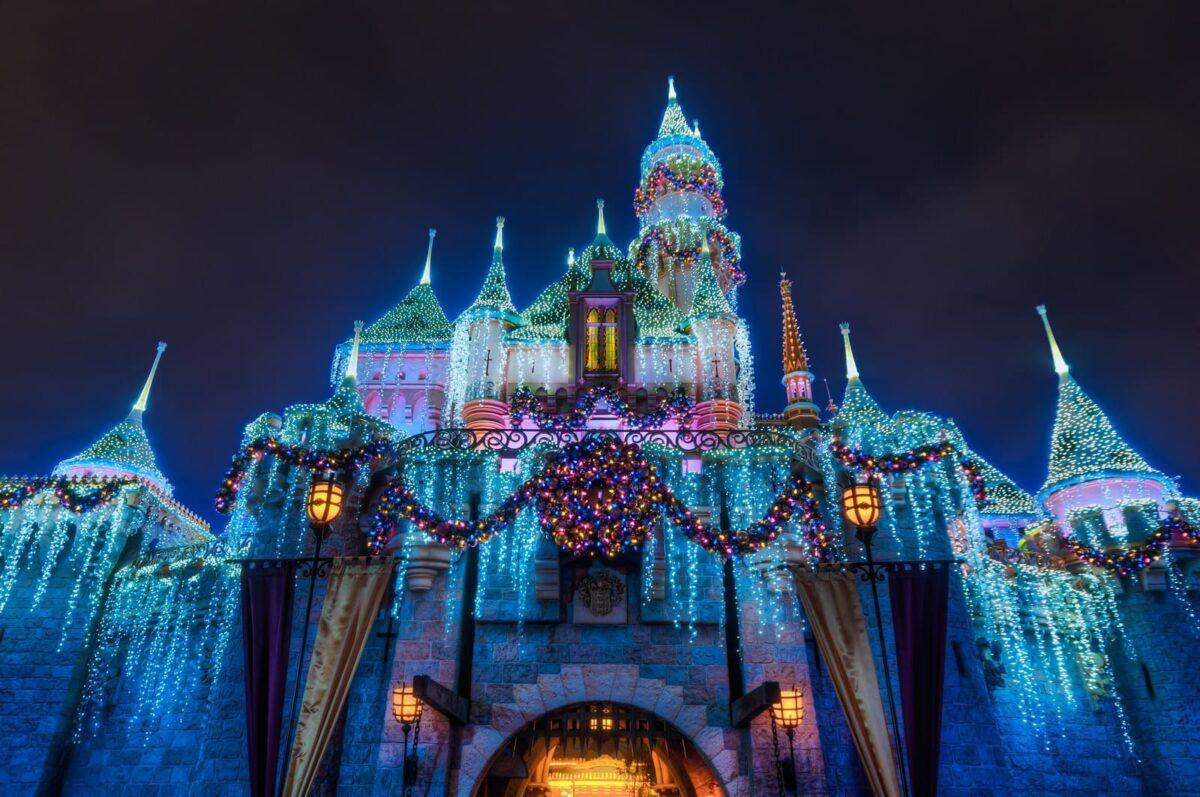 2019-2020 Holidays at Disneyland Guide