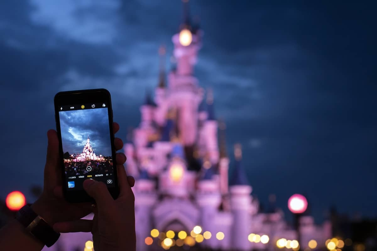 Disneyland vs Disney World: Which is Better?