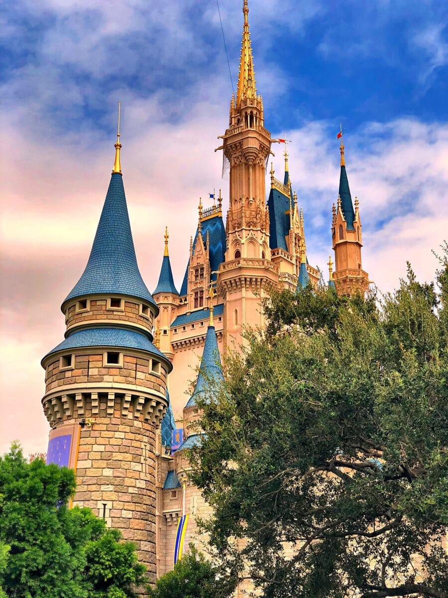 Disney To Furlough Cast Members April 19th