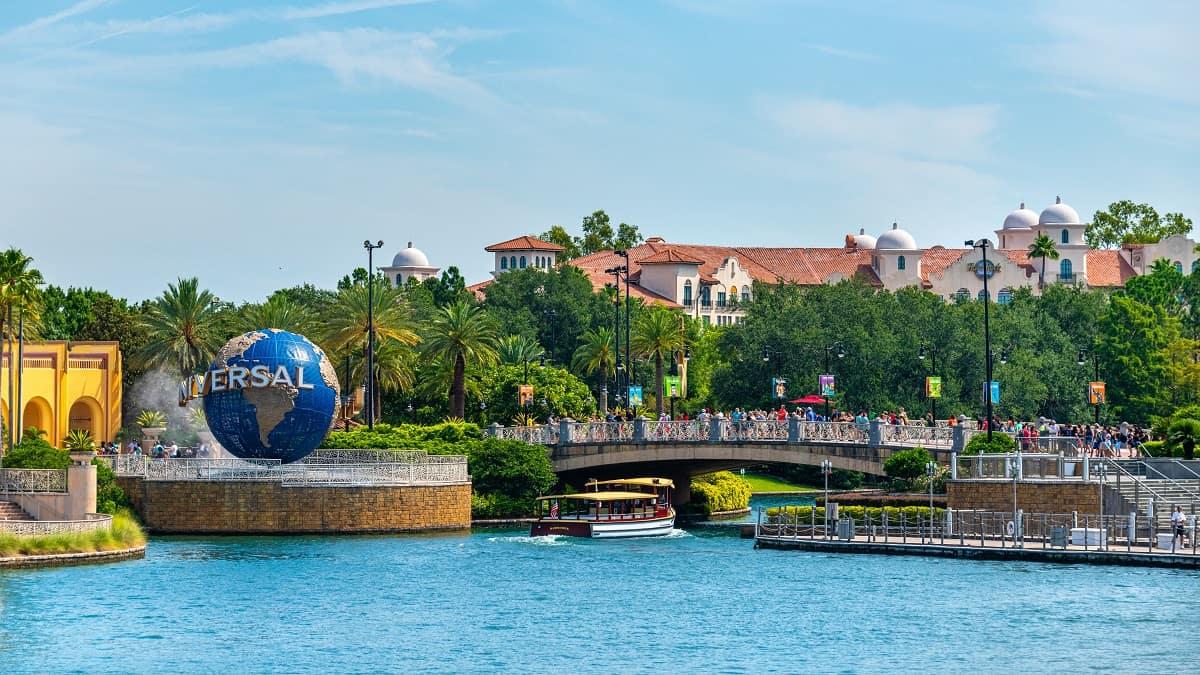 Universal Orlando vs Disney World: Which One To Choose?