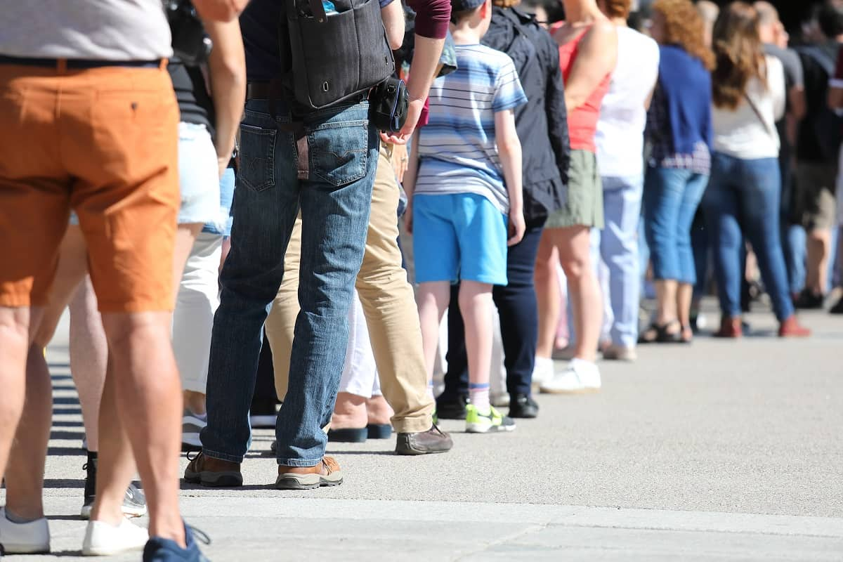 How Do You Avoid Long Lines at Disney World