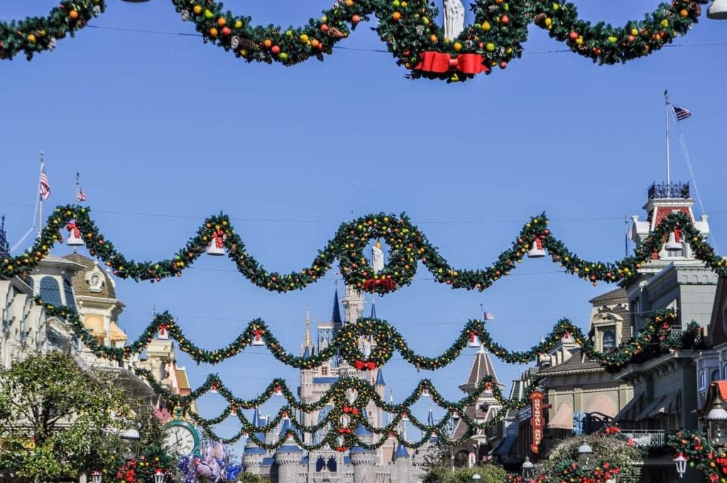 Is It Cheaper to go to Disneyland or Disney World?