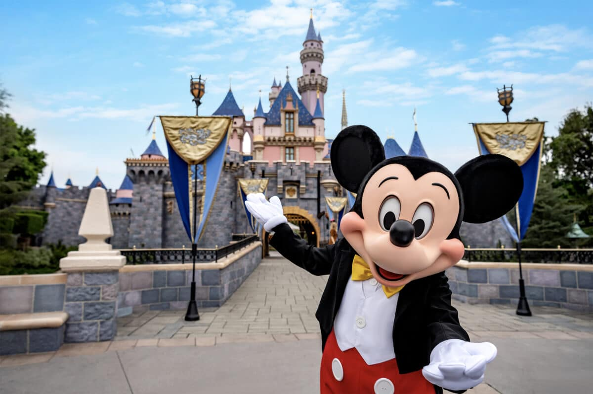 California To Allow Theme Parks, Disneyland To Reopen