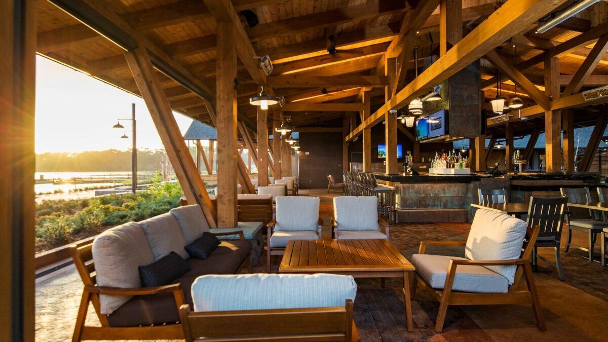 Open air bar