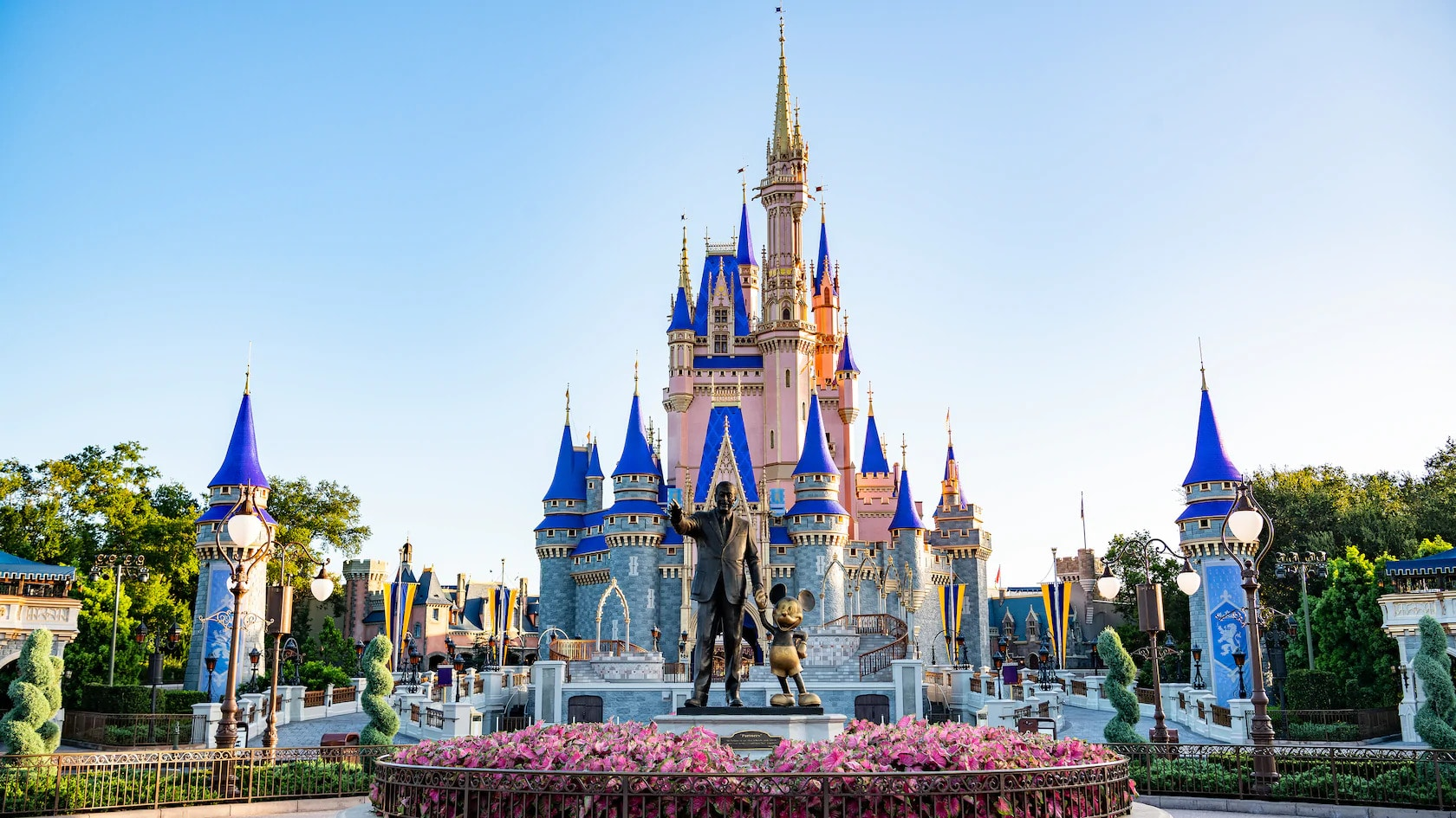 Disney World Park Itineraries & Touring Plans