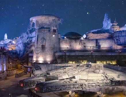 millennium-falcon spaceship