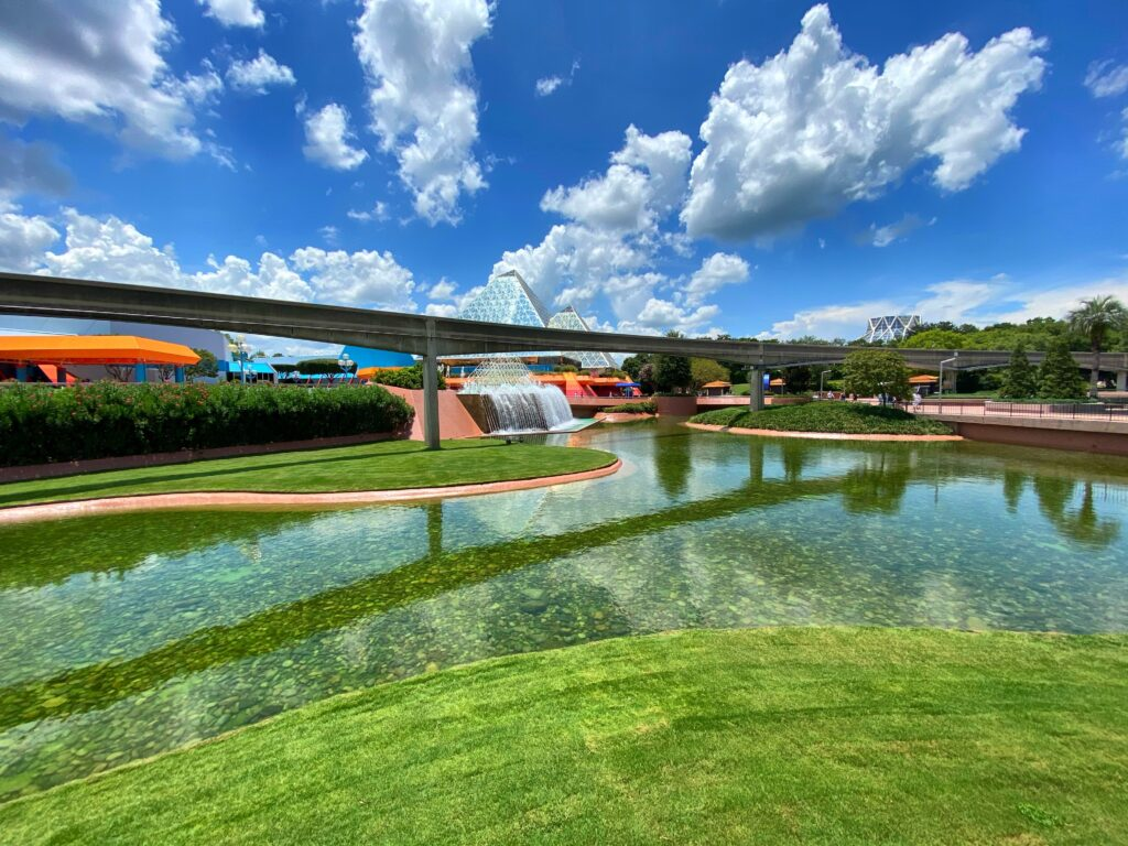 Grass, lake and monorail line at Epcot