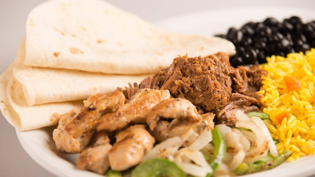 Fajita platter with chicken and rice