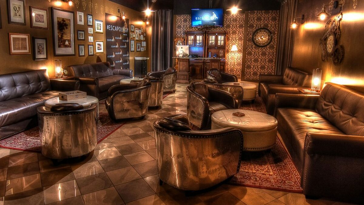 Old style lounge with couches and tables