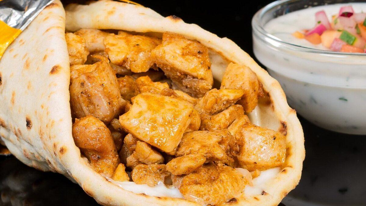 Chicken wrap with yogurt sauce
