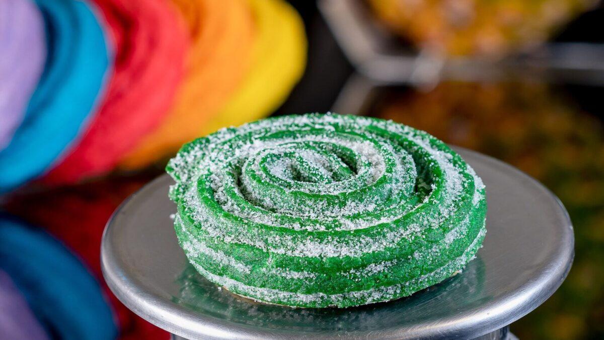 Circle green churro