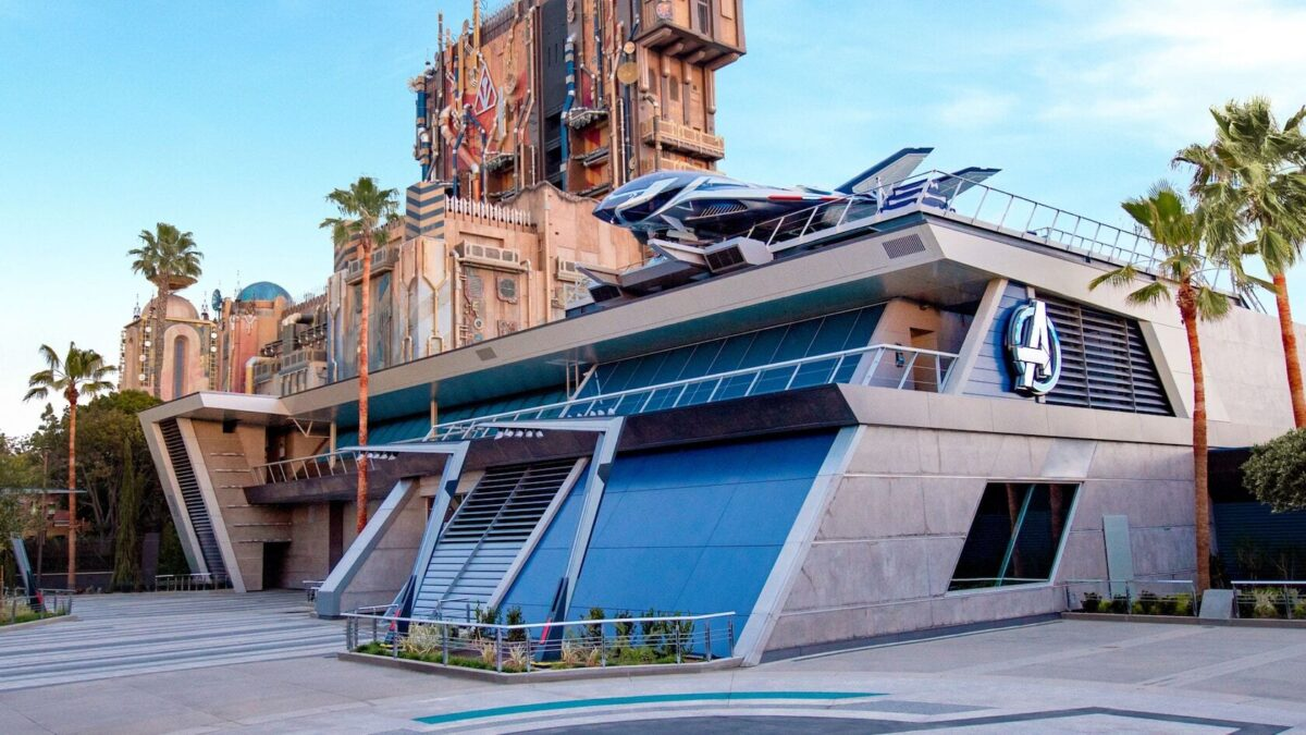 Headquarters with Quinjet and Guardians