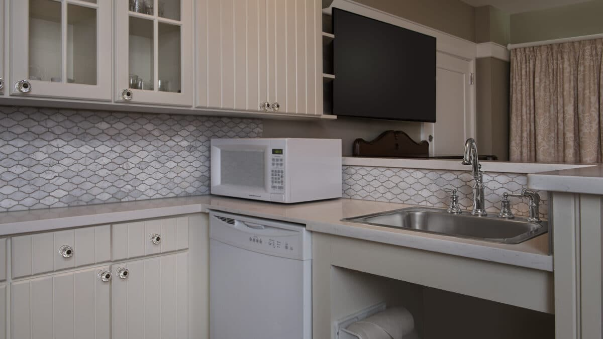 Kitchen with sink and cabinets