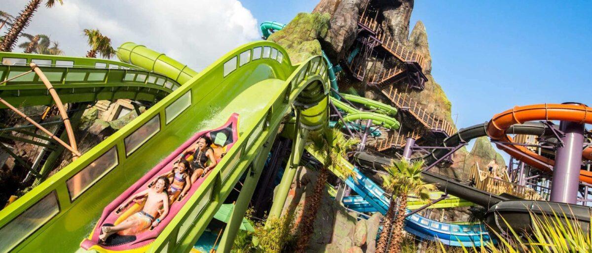 Green tube slide water coaster