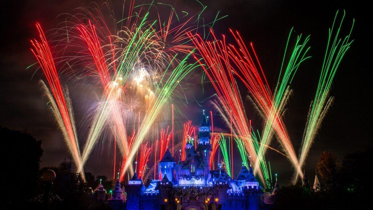 Best Spots To Watch Disneyland Fireworks