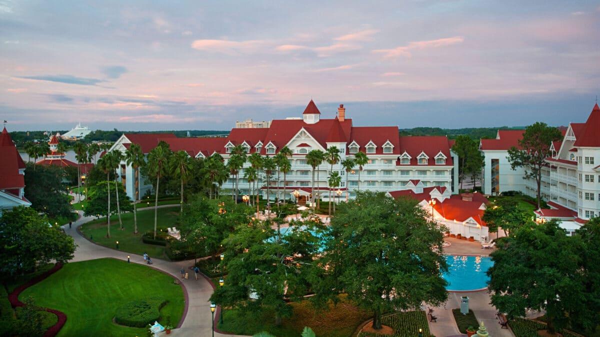 Essential Guide to Disney World Resort Hopping
