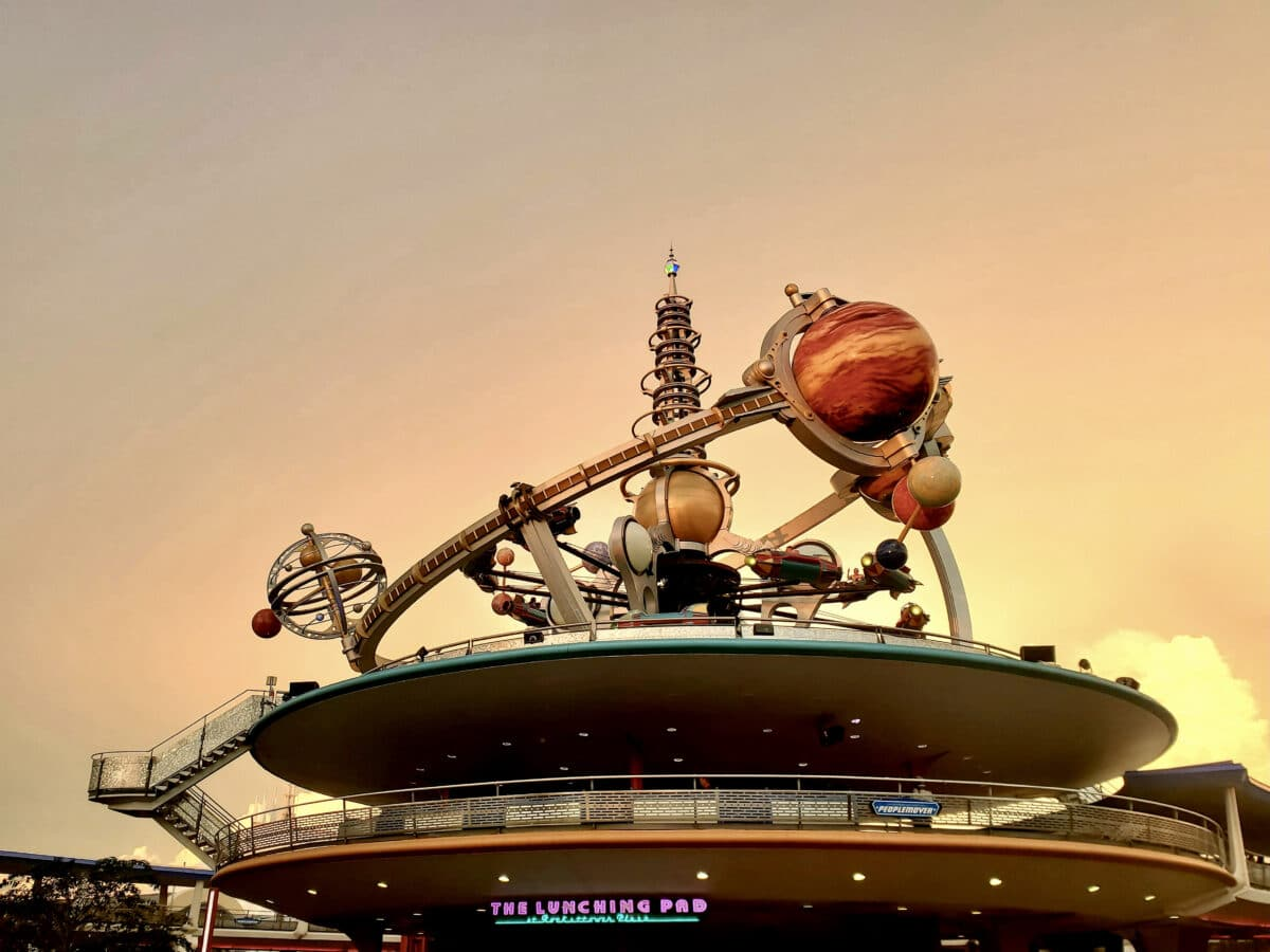 Space attraction with planets