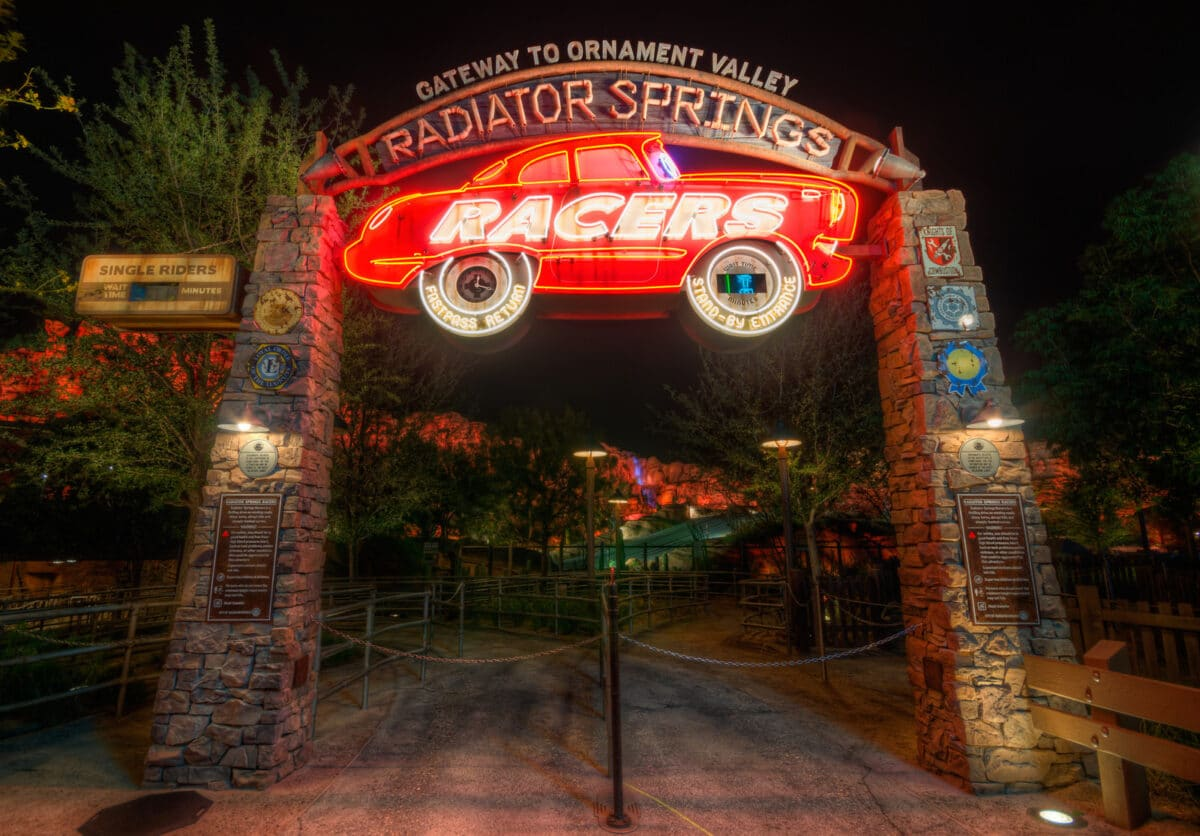 Everything You Need To Know About Disney Genie & Lightening Lane