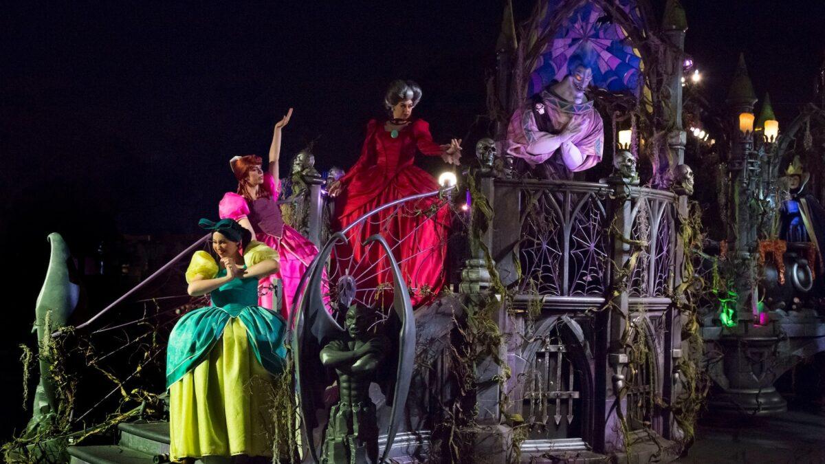 Frightfully Fun Parade with Villains